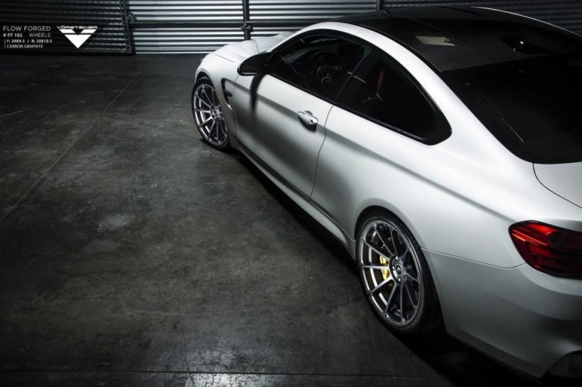 BMW M4 드레스업 By Vorsteiner