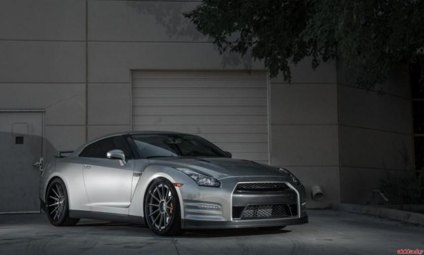 비비드 레이싱, 닛산 GT-R 튜닝 프로그램
